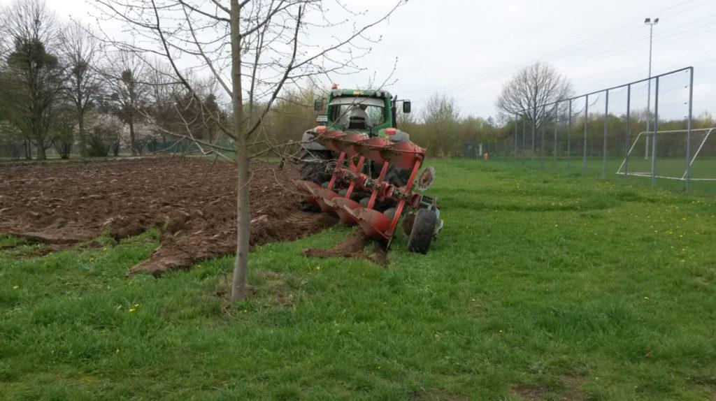 Bodenbearbeitung mit schwerem Gerät